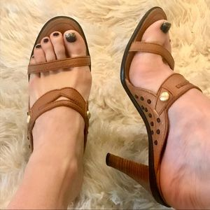 Italian Tod's tan leather wooden heeled sandals